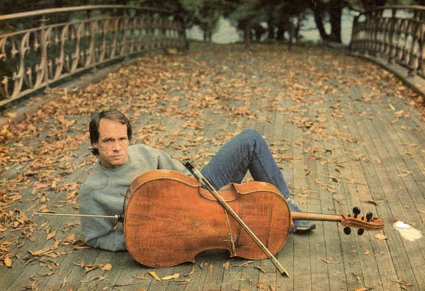 62 minutes 32 seconds of archival arthur russell performance footage by phill niblock