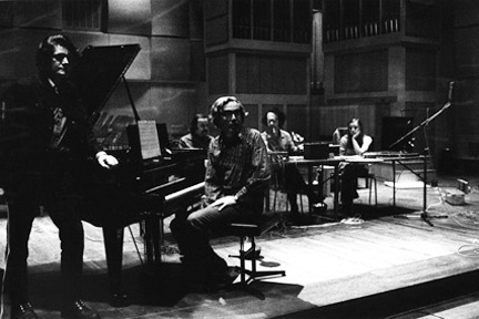 he Sonic Arts Union (Gordon Mumma, Alvin Lucier, Robert Ashley, David Behrman and Kathy Morton